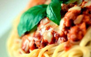 Espaguetis con boloñesa de cerdo ibérico- Carnicería Sergio y Julio